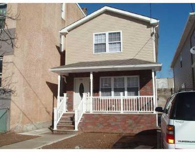 Perth Amboy Single Family Home For Sale: 186 Broad Street