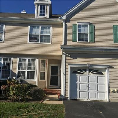 Sayreville Condo/Townhouse For Sale: 25 Woods Edge Court