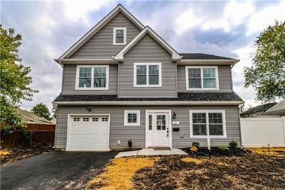 Edison Single Family Home For Sale: 32 Windsor Road