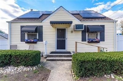 Edison Single Family Home For Sale: 35 Pleasant Avenue