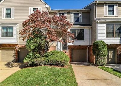 Edison Condo/Townhouse For Sale: 3902 Spring Brook Drive