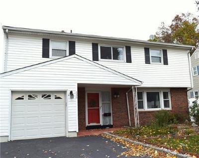 Metuchen Single Family Home For Sale: 656 New Durham Road