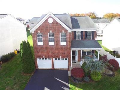 East Brunswick Single Family Home For Sale: 36 Park Knoll Drive