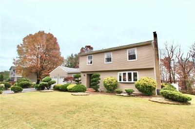 Sayreville Single Family Home For Sale: 23 Oaktree Road