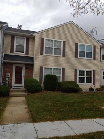 Sayreville Condo/Townhouse For Sale: 18 Rodio Court