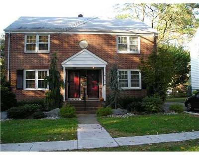 Metuchen Single Family Home For Sale: 10 Woodwild Terrace