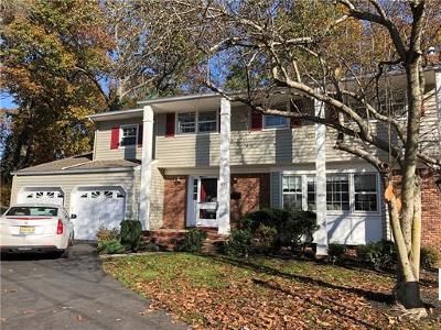 Edison Single Family Home For Sale: 52 Eileen Way