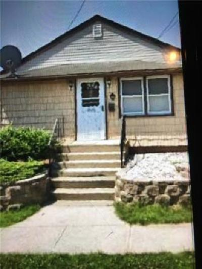 Sayreville Single Family Home For Sale: 240 Midland Avenue