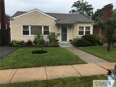 WOODBRIDGE Single Family Home For Sale: 232 Grove Street