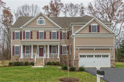 East Brunswick Single Family Home For Sale: 2 McLellan Court