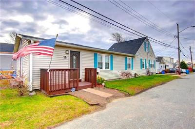 Old Bridge NJ Single Family Home For Sale: $270,000