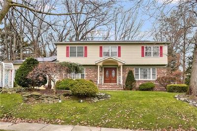 East Brunswick Single Family Home For Sale: 19 Thomas Road