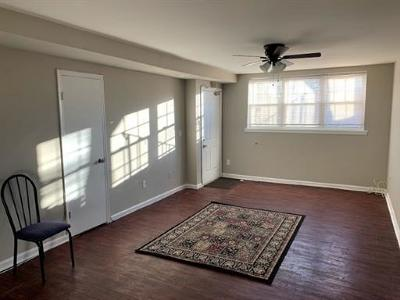 Edison Condo/Townhouse For Sale: 337 College Drive