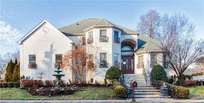 Monroe Single Family Home For Sale: 2 Bennett Avenue
