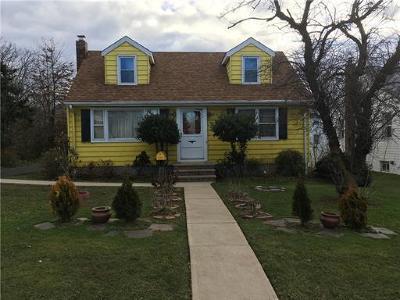 Hopelawn Single Family Home For Sale: 129 Howard Street