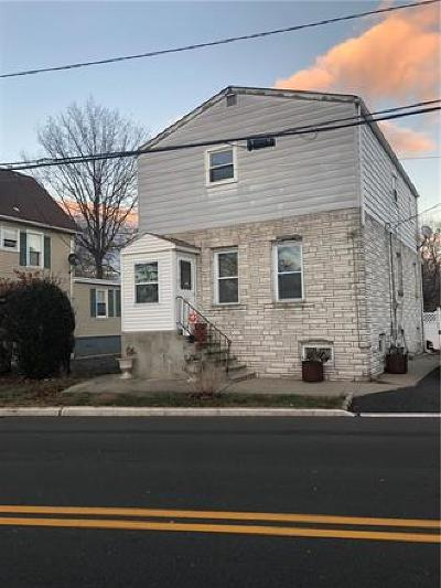 Edison Single Family Home For Sale: 21 Player Street