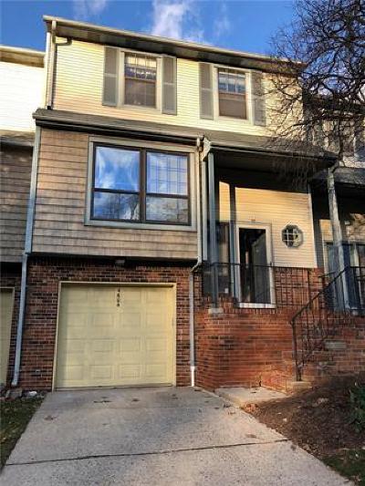 Edison Condo/Townhouse For Sale: 4604 Stonehedge Road #4604