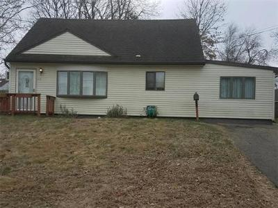 Sayreville Single Family Home For Sale: 20 Kendall Drive