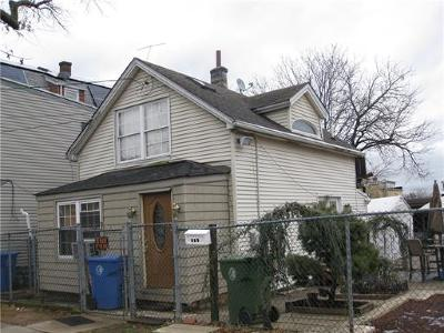 Perth Amboy Single Family Home For Sale: 428 Augustine Place
