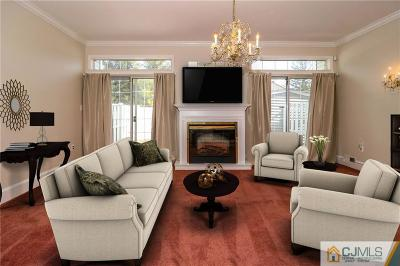 Sayreville Condo/Townhouse For Sale: 5 Gerard Place