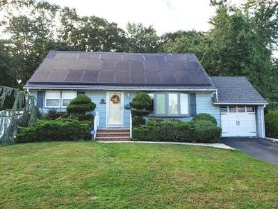 Single Family Home For Sale: 3 Marlin Road