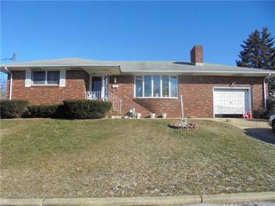 Sayreville Single Family Home For Sale: 7 Bernadine Street