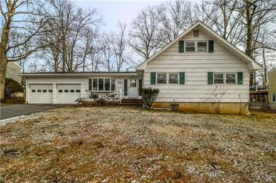 Edison Single Family Home For Sale: 12 Jonathan Drive