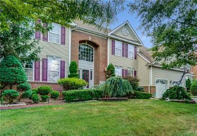 East Brunswick Single Family Home For Sale: 6 Braeburn Place
