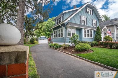 Metuchen Single Family Home For Sale: 68 Pleasant Place