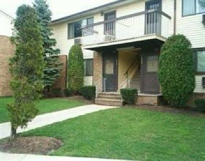 Woodbridge Proper Condo/Townhouse Active - Atty Revu: 901 Cricket Lane #901