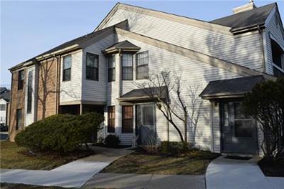 Sayreville Condo/Townhouse For Sale: 1503 Pebble Place #1503