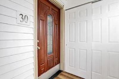 Iselin Single Family Home For Sale: 30 Grand Avenue