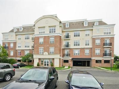 Sayreville Condo/Townhouse For Sale: 6207 Fernandez Court #6207