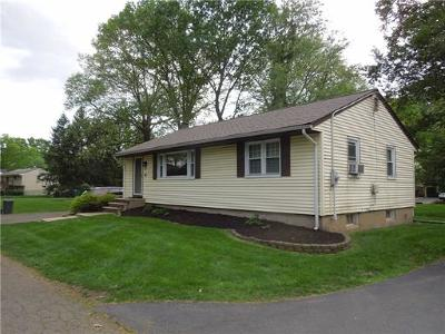 South Plainfield Single Family Home For Sale: 85 Norway Ln Extension