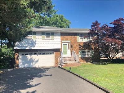 Edison Single Family Home For Sale: 64 Revere Boulevard