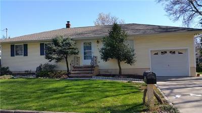North Edison Single Family Home For Sale: 19 Anita Avenue