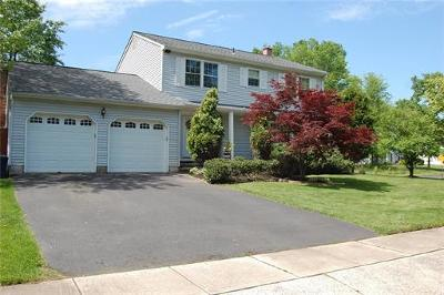 North Brunswick Single Family Home For Sale: 2 Staghorn Drive