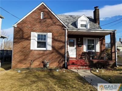 Perth Amboy Single Family Home For Sale: 660 Jacques Street