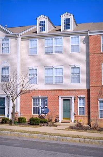 SAYREVILLE Condo/Townhouse For Sale: 106 Woodlake Drive #1050
