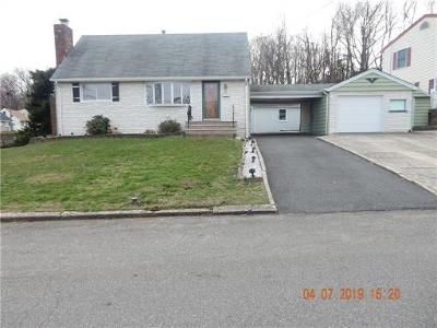 Sayreville Single Family Home For Sale: 1 Robert Circle