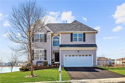 Sayreville Single Family Home For Sale: 17 Michalik Drive