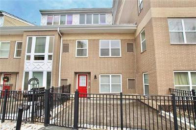 Perth Amboy Condo/Townhouse For Sale: 358 Rector Street #313