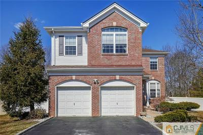 East Brunswick Single Family Home For Sale: 75 Berkshire Way