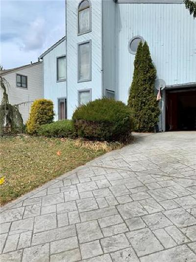Old Bridge NJ Condo/Townhouse For Sale: $275,000