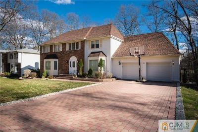 East Brunswick Single Family Home For Sale: 46 Oak Crest Drive