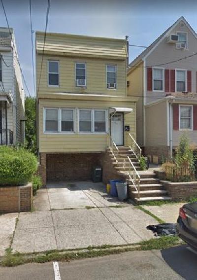 Bayonne Single Family Home For Sale: 69 W 13th Street