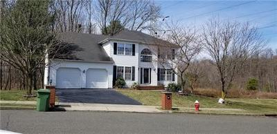 Sayreville Single Family Home For Sale: 17 Kimball Drive W