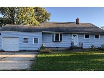 Edison Single Family Home For Sale: 8 Carmello Drive