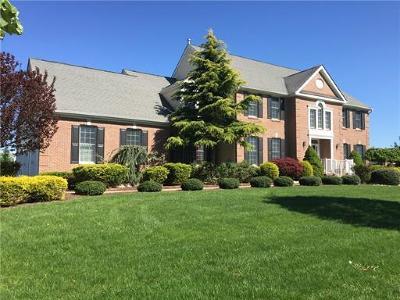 Monroe Single Family Home For Sale: 19 Linwood Drive