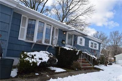 Piscataway Single Family Home For Sale: 52 Desna Street